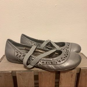 OTBT Marion leather flats pewter grey mary jane 8